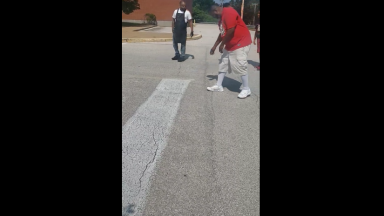 Lol: Barber Bet His Client $50 He Could Beat Him In A Foot Race!