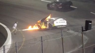 redditsave.com_dad_rushes_to_save_his_son_from_burning_car-07x995bhaaq61