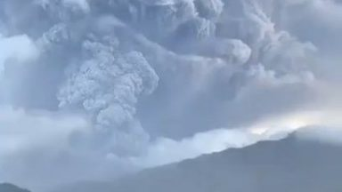 redditsave.com_another_eruption_happening_today_in_st_vincent-qx2syeabyys61