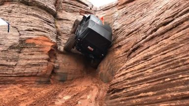 redditsave.com_jeep_climbs_vertical_wall_in_sand_hollow_utah-2yp3nz3uekr61