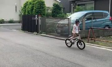 redditsave.com_she_got_skills_with_her_bicycle-bb8a29zqgcs61